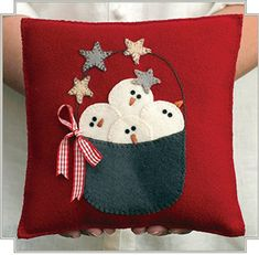 Snowman Wool Applique Pillow Pattern - Snow Happy Pillow Pattern x BHD 2063 Christmas Cushions, Christmas Pillow, Felt Christmas, Christmas Stockings, Applique Pillows, Wool Applique, Pillow Patterns, Pillow Ideas, Felted Wool Crafts