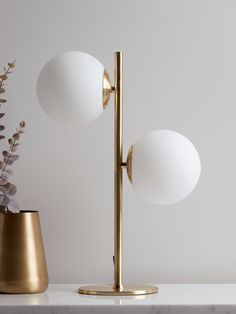 Our Globe Deco Table Lamp has the design punch to really make a corner of your space complete, to fully dress and realise the potential of your space. With a soft white shade and a wonderful brass finished stand, our table lamp speaks synonymously wi Hallway Lamp, Modern Table Lamp Living Room, Globe Lamps, Retro Table Lamps, Table Lamp, Brass Table Lamps, Glass Table Lamp, Globe Floor Lamp, Modern Glass