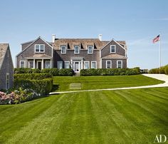 Found my dream house on Nantucket. The turquoise shutters are ...