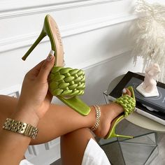 Dr Shoes, Hype Shoes, Me Too Shoes, Shoes Heels, Fancy Shoes, Pretty Shoes, Crazy Shoes, Crazy High Heels, Zapatos Shoes