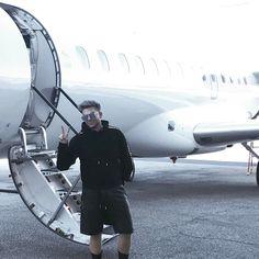 2017-04-14 Adam Lambert flying to Coachella with friends | Burbank, CA | Adam Lambert Media