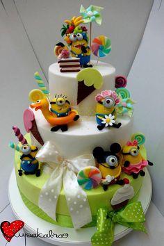 Minion cake!!!!!!