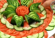 Amazing Food Decoration, Amazing Food Art, Salad Decoration Ideas, Tasty Videos, Food Videos, Food Crafts, Diy Food, Vegetable Decoration, Creative Food Art
