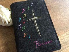 Einband für das katholische Gebets- und Gesangsbuch, das Gotteslob mit den Maßen 12 x 17,5 x 3,7cm _Soll der Einband für ein Buch mit anderen Maßen genäht werden, bitte die Höhe, Breite u. Dicke...