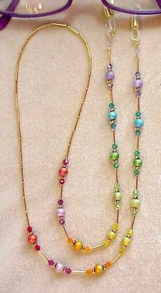 What a beautiful rainbow of color on this eyeglass chain. Would make a lovely necklace Bead Jewellery, Wire Jewelry, Jewelry Crafts, Jewelery, Jewelry Ideas, Jewelry Armoire, Jewelry Bracelets, Beaded Lanyards, Beaded Jewelry Patterns