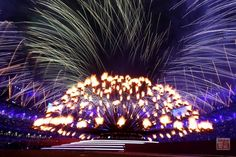 A general view of the Olympic cauldron before being extinguished during the Closing Ceremony on Day 16 of the London 2012 Olympic Games at Olympic Stadium on August 2012 in London, England. (Photo by Julian Finney/Getty Images) London Olympic Games, 2012 Summer Olympics, Fireworks, Closer, Cauldron, August 12, London England, Music, Musica