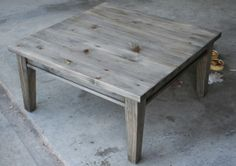 Oxidized coffee table. DIY. After wax. www.thingstoshareblog.com.