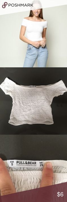 White scrunchy off shoulder top Brandy melville look alike. Brand is Pull & Bear. Purchased in Ireland. A little bit of darkening under arm pits but not too bad and definitely not noticeable. Brandy Melville Tops Crop Tops