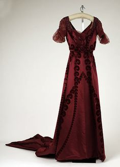 Evening dress Design House: House of Worth Date: ca. 1910 Culture: French Medium: silk Accession Number: 1976.258.7
