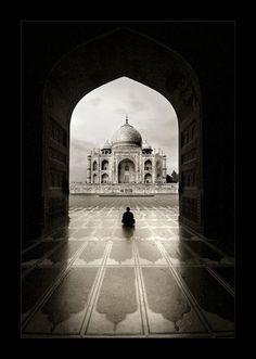Solitude - Taj Mahal by ~tyt2000