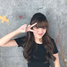 Filipina Actress, Lonely Girl, Star Magic, Celebs, Celebrities, Girl Crushes, Hairstyle, Poses, Actresses