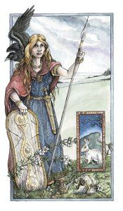 Boadicea diosa.   En la Europa celta  se rendía culto a las liebres. (Los conejos aún no habían llegado a las Islas  Británicas) En Europa se les temía, porque devoraban cosechas,  pero al mismo los celtas veían a las liebres como animales sagrados, pues entre los celtas no existía el símbolo del demonio. Los celtas admiraban a las liebres  y la reina britana Boadicea se dice que llevaba una liebre cerca del pecho para asegurarse el triunfo en  sus batallas  contra los romanos.