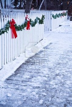 Christmas garland and red bows on a white picket fence – Outdoor Christmas Lights House Decorations Christmas Trimmings, Christmas Porch, Christmas Bows, Christmas Scenes, Outdoor Christmas Decorations, White Christmas, Christmas Lights, Xmas, Christmas Crafts