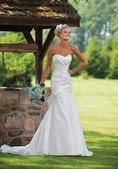 Wedding Dress--Love this pic