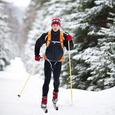 Sportovní běžky pro klasický styl běhu na lyžích jsou vhodné především do upravených stop, ale díky jejich relativně pevné a odolné konstrukci vydrží i jízdu v terénu. Boots, Winter, Outdoor, Fashion, Crotch Boots, Winter Time, Outdoors, Moda, Fashion Styles