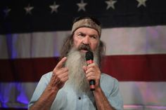 'Duck Dynasty' star slams Kamala Harris over Medicare for all: 'I already have health care' and 'it's given to me by God' Phil Robertson, Chain Of Command, Follow The Leader, Duck Commander, Twitter S, Duck Dynasty, Kamala Harris, Presidential Candidates