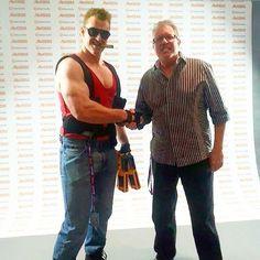 Duke Nukem meets... Duke Nukem