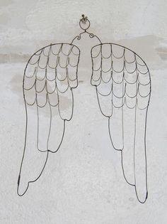 Des ailes d'ange en fil de fer - décoration murale - latelierdesof - Fait Maison