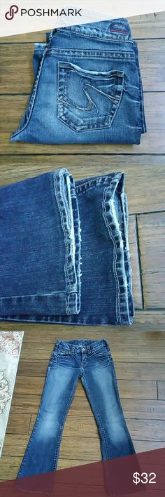 Silver Jeans Size 26 Minor wear on bottoms, see pics 2, 6, 7 .. mostly on the underneath so when u have them on u can't even tell..  Inseam 30 inches Rise 8 inches  75% cotton  25% polyester Silver Jeans Jeans Flare & Wide Leg