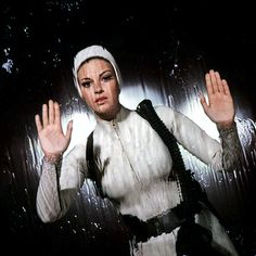 great retro costume but I think her helmet is too tight: Raquel Welch in Fantastic Voyage Science Fiction, Fiction Movies, Sci Fi Movies, French Film, Fantastic Voyage, Raquel Welch, Underwater Photos, Dark Eyes, Popular Videos