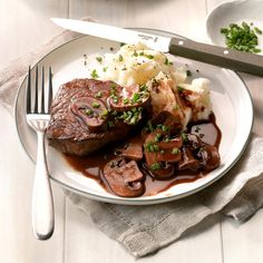Beef Filets with Portobello Sauce Recipe -These tasty steaks seem special but they are fast enough for everyday dinners. We enjoy the mushroom-topped fillets with crusty French bread, mixed salad and a light lemon dessert. Steaks, Portobello, Beef Recipes, Cooking Recipes, Beef Tips, Skillet Recipes, Skillet Meals, Healthy Recipes, Copycat Recipes