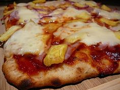 should we do Luau Pizza...? I'm trying to get ideas for food everyone will enjoy :)