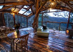 Calling all nature lovers! If you've ever dreamed of living in the trees, you HAVE to see this one-of-a-kind accommodation. Not only is it located between National Parks and a World Heritage listed rainforest in the private wilderness of the Blue Mountains in Australia, but it's also impeccably designed and carefully laid out. If you …