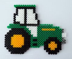 John Deere tractor hama beads by Las cosicas de Luisa John Deere Perler Bead Designs, Perler Bead Templates, Hama Beads Design, Diy Perler Beads, Perler Bead Art, Pearler Beads, Melty Bead Patterns, Pearler Bead Patterns, Perler Patterns