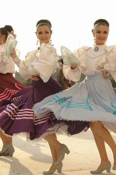Ensamble Folklórico Mexicano en Las Verbenas Populares - Nuevo León, Pas...