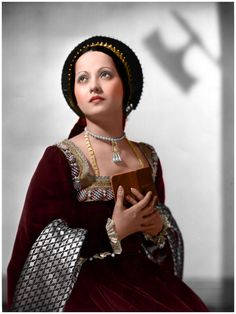 Merle Oberon attired as Anne Boleyn, in 'The Private Life of Henry VIII'.