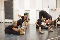 Legendary precision dance company starring in the Radio City Christmas Spectacular and the Rockettes New York Spectacular. Teach Dance, Dance Class, Swing Dancing, Pole Dancing, Pole Dance Fitness, Dancer Stretches, Flexibility Stretches, Dance Warm Up, Dance Technique