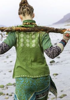"""""""Luse"""" eco-cotton cardigan – Denmark – GUDRUN SJÖDÉN – Webshop, mail order and boutiques Colourful clothes and home textiles in natural materials. Fashion Mode, Boho Fashion, Fashion Outfits, Womens Fashion, Fashion Design, Bohemian Mode, Bohemian Style, Ethno Style, Boho Green"""