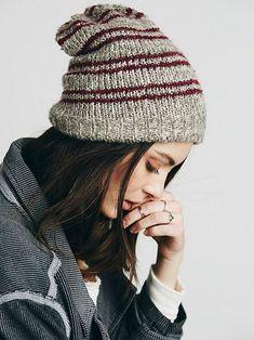 The Best Favorite Knit Slouchy Hat: 70+ Great Hat Patterns Ideas https://femaline.com/2017/10/26/favorite-knit-slouchy-hat-70-great-hat-patterns-ideas/