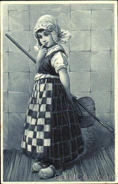 vintage postcard Jong Nederlands meisje                                                          lb xxx.