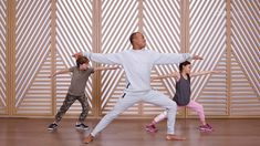 Be Brave: Dino Yoga with Andrew Sealy - Free Kids Yoga Yoga For Kids, Exercise For Kids, 5 Minute Yoga, Visualization Meditation, Animal Yoga, Childrens Yoga, Yoga Youtube, Meditation Videos, Kids Moves