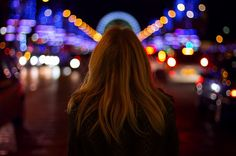Photographer Takes Beautiful Back-Facing Portraits of His Wife - My Modern Metropolis