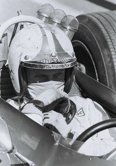 Chris Amon Ferrati 312 1968