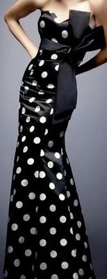 Polka Dots / Yves Saint Laurent)