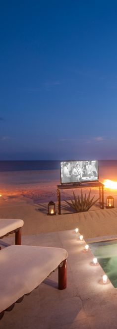 Movie on the beach..LAS VENTANAS AL PARAÍSO...Los Cabos, Mexico  | LOLO