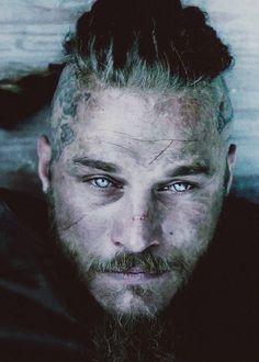 Ragnar's eyes!!!