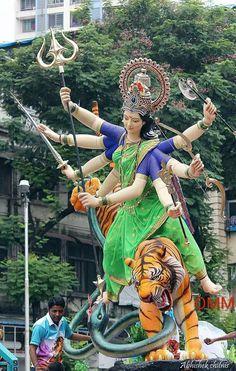 Durga kill Mahishasur Maa Durga Photo, Maa Durga Image, Durga Kali, Saraswati Goddess, Shri Hanuman, Kali Goddess, Durga Puja, Shiva Shakti, Krishna
