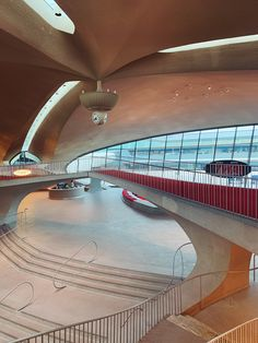 🚀I time traveled to my Neo-Futurism dreamland. Unique Architecture, City Architecture, Futuristic Architecture, Twa Flight Center, Neo Futurism, Eero Saarinen, Main Entrance, Hotel S, Time Travel