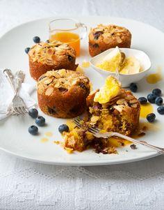 En esta temporada de otoño, prepara panquecitos de mora azul, y polenta con jarabe de naranja. #Recetas #FoodAndTravelMX