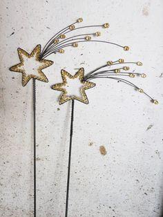 Wire & crystal bead star burst.