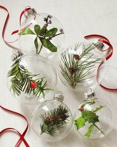 Nature Ornaments Top 10 DIY Greenery Christmas Decorations. #naturalchristmas #ecochristmas #icandothis