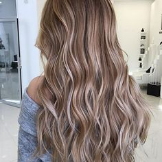 Beautiful blended @cemgumush - recreate loose waves with our 32mm wand. Shop any of our 3 stores: www.bombayhair.com  www.bombayhair.ca  www.bombayhair.co.uk