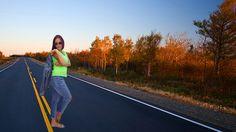 #OnTheRunTour Once au pays des Kangoos! Modèle: Julie  http://www.ozeane.fr/vestes-et-manteaux/42-veste-denim-.html … #road #lookbook #denim #automne #look