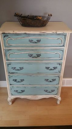 https://www.facebook.com/pages/Annie-Sloan-Canada-31-Days-of-Chalk-Paint/866453600056134?fref=ts
