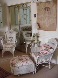 Vintage wicker! Romantic Vintage Home