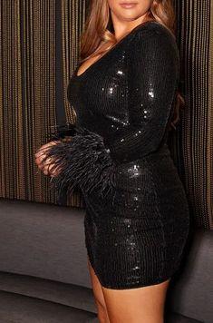 Black Plus Size Long Sleeve Sequins Bodycon Dress. Plus Size Long Sleeve Sequin Bodycon Party Dress #PlusSizeFashion #PlusSizeStyle #CurvyGirl #plussizedivas #boldcurvyfashionista #curvy #curvyfashionista #Fashion #Style